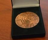 Medal dla profesora Poniatowskiego